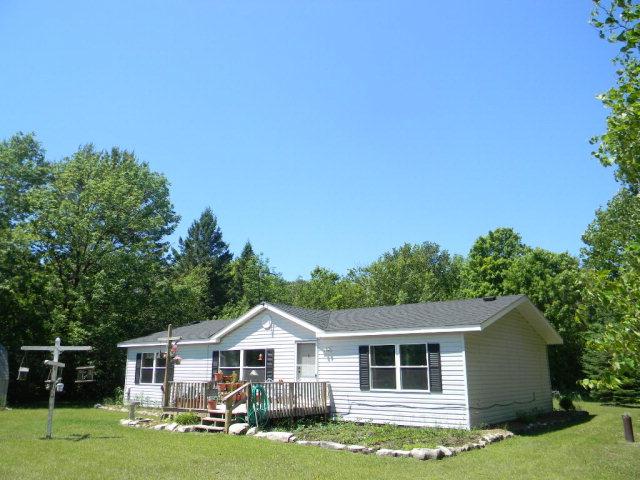 825 Isle View Rd, Gills Rock, WI 54210