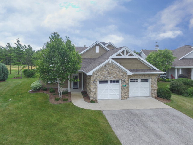 7052 Pinestraw Dr 5, Egg Harbor, WI 54209