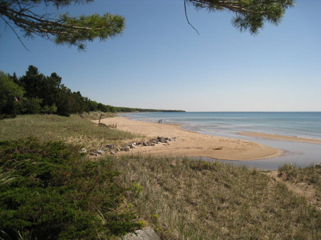 4934 S Cave Point Dr, Sturgeon Bay, WI 54235