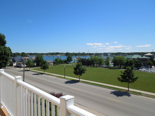 416 S 3rd Ave 2, Sturgeon Bay, WI 54235