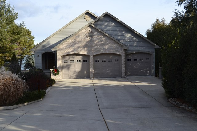 770 N Duluth Pl, Sturgeon Bay, WI 54235