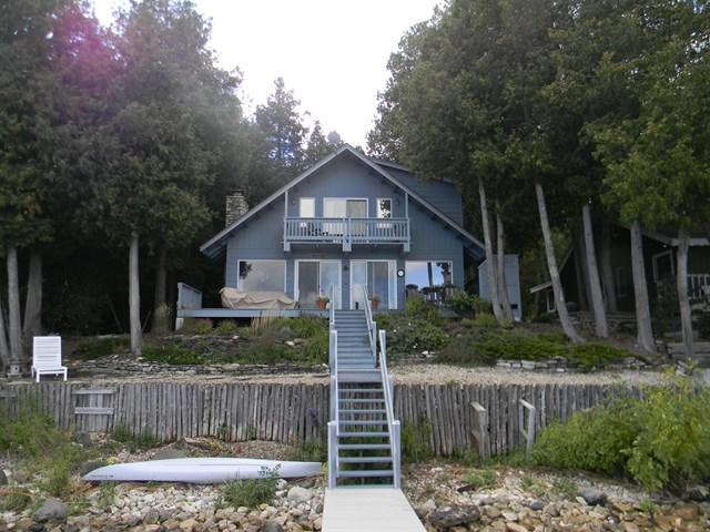 1900 Hillside Dr, Ellison Bay, WI 54210