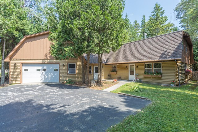 1091  Wagon Trail Cir 12, Ellison Bay, WI 54210