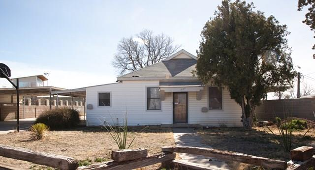 1005 W Washington St, Marfa, TX 79843