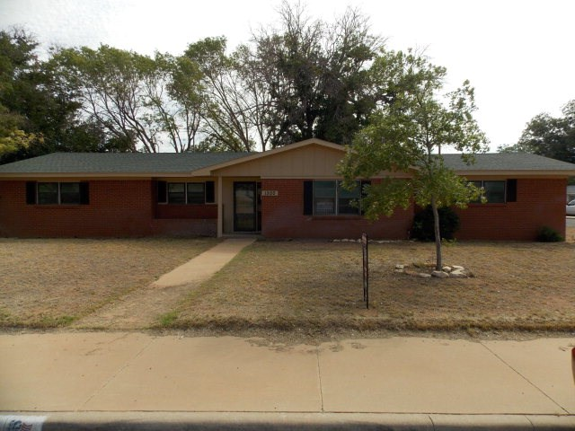 1300 NW 9th St, Andrews, TX 79714