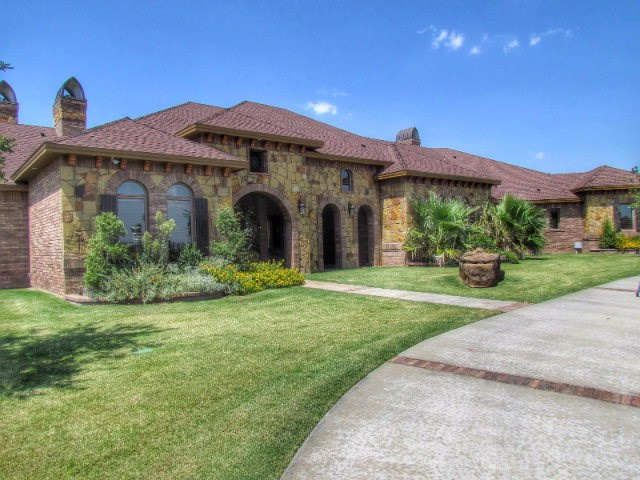 7 Royal Manor Dr, Odessa, TX 79765