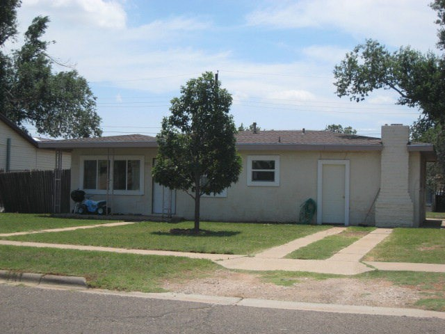 1009 NW 3rd St, Andrews, TX 79714