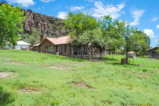 400 Bloys Ave, Fort Davis, TX 79734