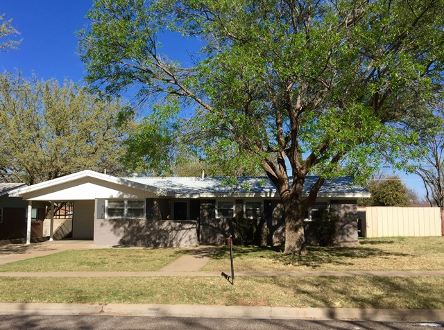 806 NW 11th St, Andrews, TX 79714