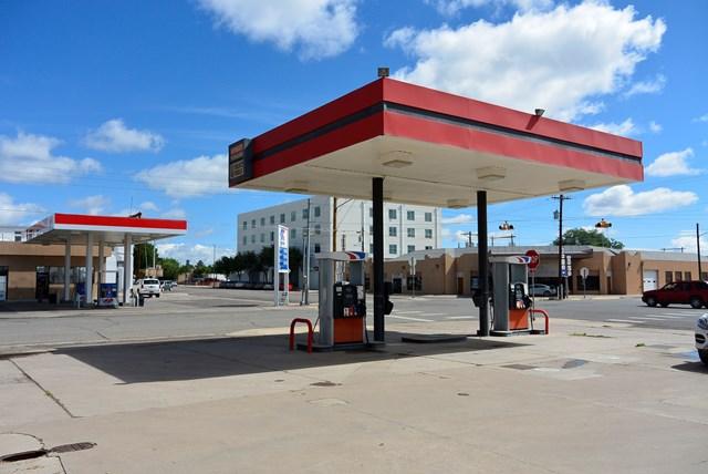 San Antonio St, Marfa, TX 79843