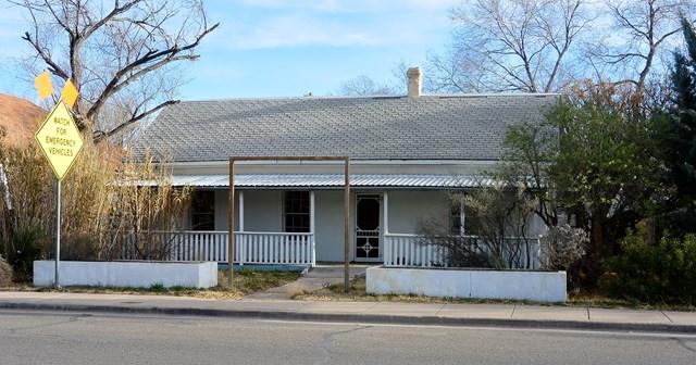 111 W San Antonio St, Marfa, TX 79843