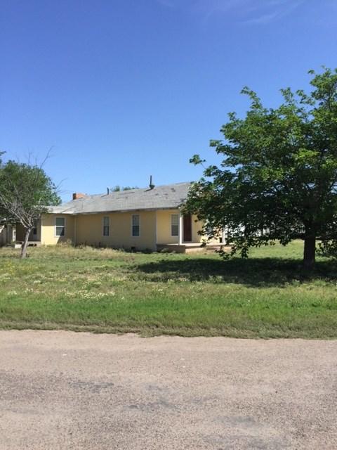 405/403 W 3rd St, Wickett, TX 79788