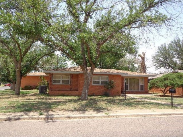 601 NW 4th St, Andrews, TX 79714