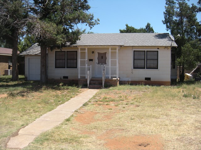 808 NW 5th St, Andrews, TX 79714