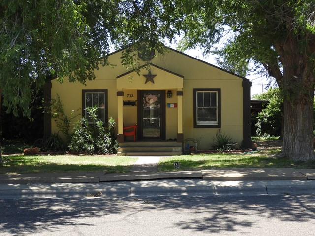 713 NW 7th St, Andrews, TX 79714