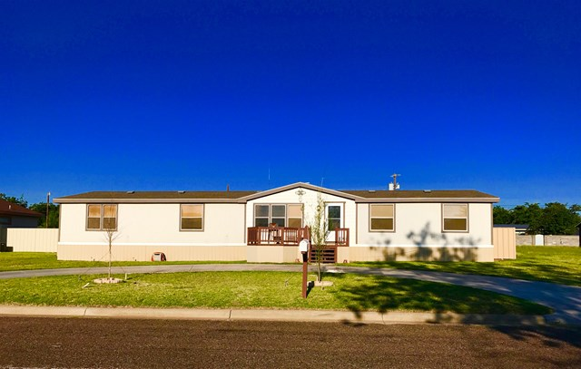 305 NW 9th St, Andrews, TX 79714