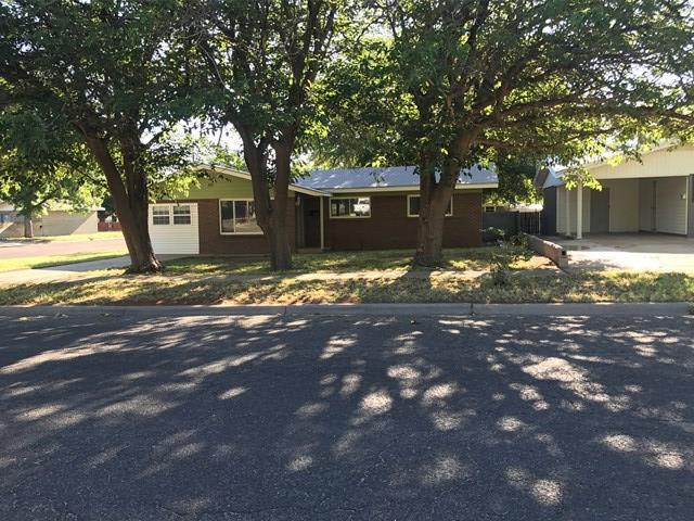 810 NW 11th St, Andrews, TX 79714