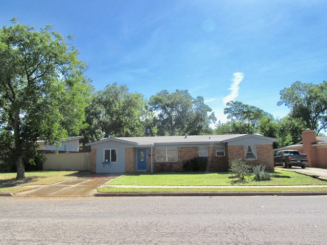 1102 NW 12th St, Andrews, TX 79714