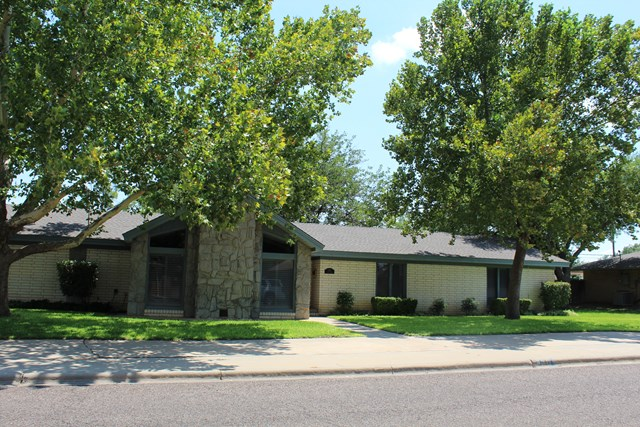801 NW Ave M Pl, Andrews, TX 79714