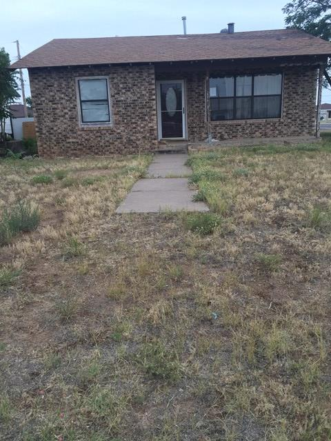 1300 Lynn Dr, Midland, TX 79705