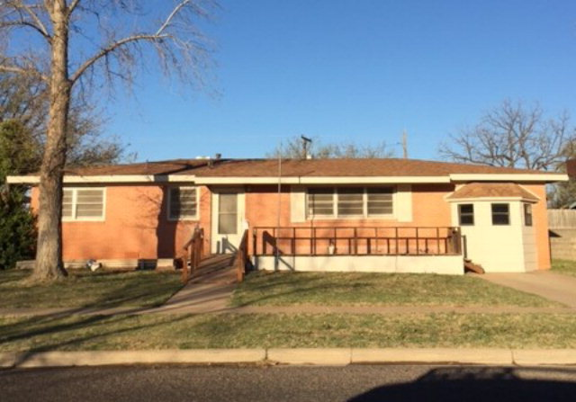 805 NW 11th St, Andrews, TX 79714
