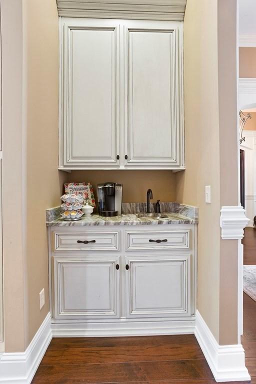 Butler\'s pantry