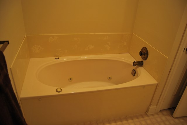 Hall Bath Jacuzzi Tub