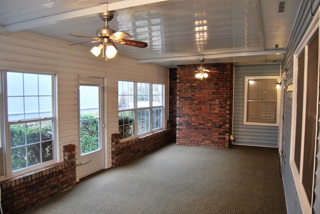Great totally enclosed Sunroom