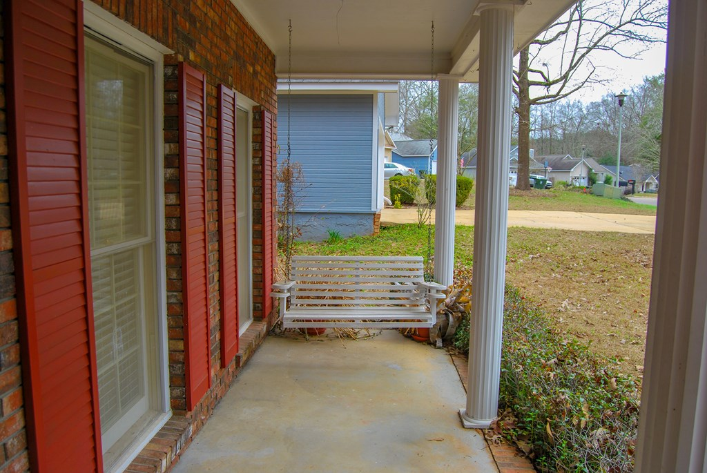 Front Porch Swing, remains