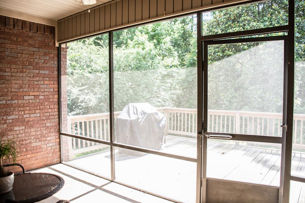 Screened Patio & Deck
