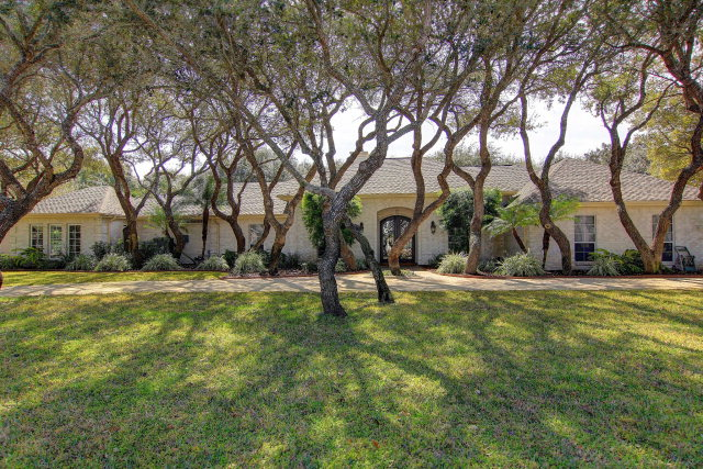 311 Olympic Drive, ROCKPORT, TX 78382