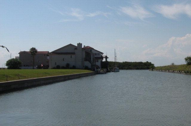 718 Kings Point Harbor, Corpus Christi, TX 78402