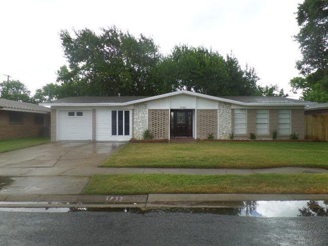 1732 Denver, Portland, TX 78374