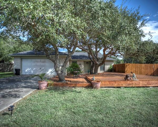 1108 Hickory Ave, ROCKPORT, TX 78382