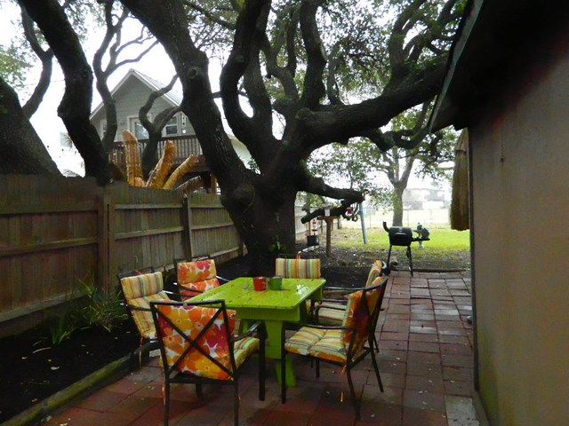 1111 S Pearl, ROCKPORT, TX 78382