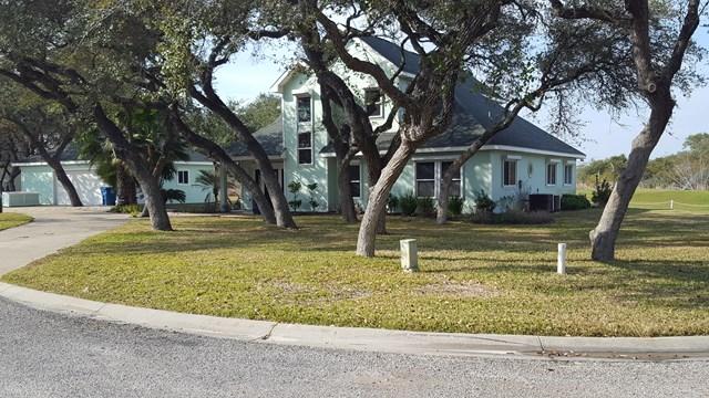 61 S Lake Dr, Lamar, ROCKPORT, TX 78382