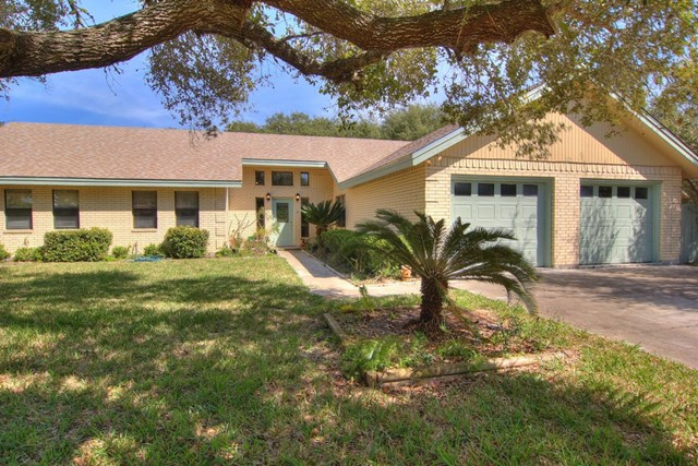 115 Poquito, ROCKPORT, TX 78382