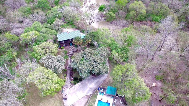 617 S Commercial, Goliad, TX 77963