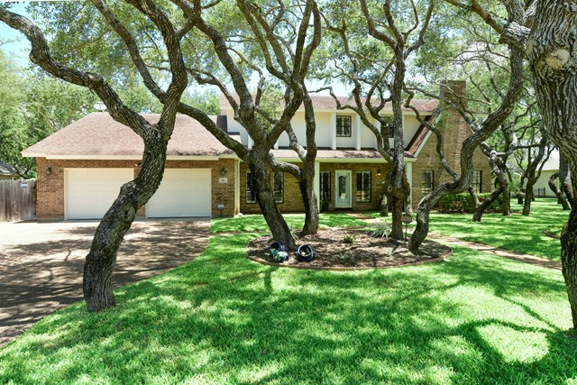 316 Olympic Dr, ROCKPORT, TX 78382