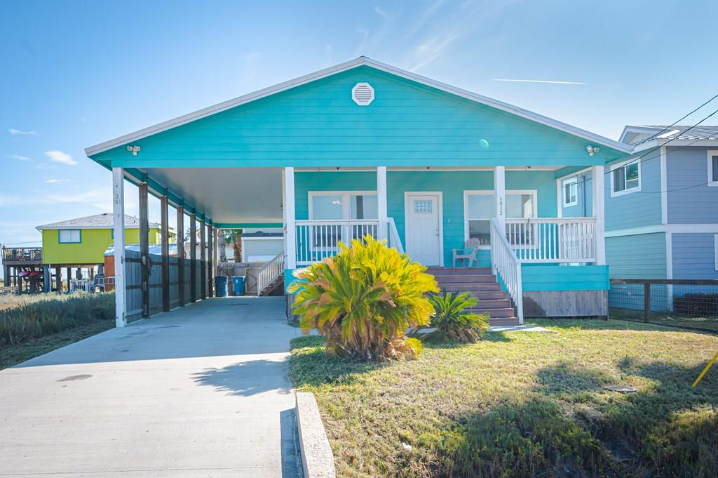 Cute like a beach bungalow inside & out, this 3 bedrooms w/ 2 full baths in desirable South Rockport, few blocks to artsy downtown shops, restaurants, art galleries & Rockport Beach and Aransas bay perfect for permanent residence or vacation home with tones of rental potential when not there. Open living area to kitchen with granite oak cabinets and tile flooring throughout, plenty windows and back and front porch to relax Rockport style!... Huge boat/carport with lots of room for parking. Backyard with plenty of room to add outdoor shower and garden, get your fishing poles or kayak & let your imagination make this home yours!
