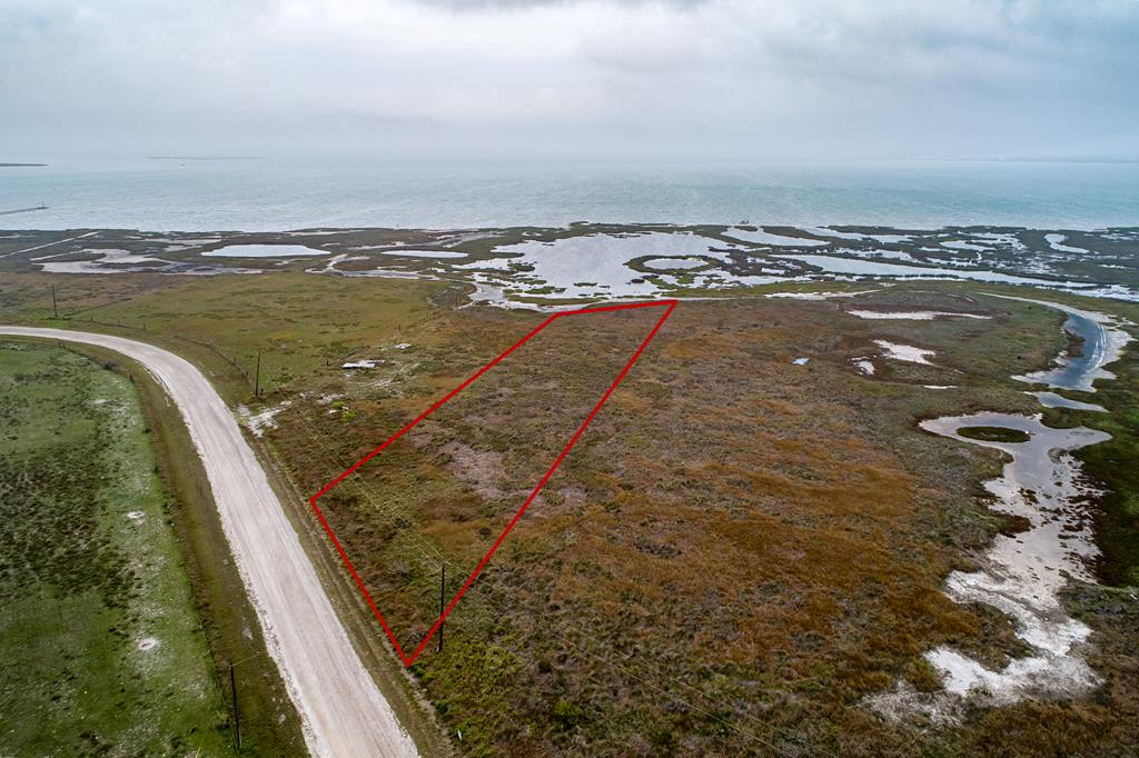 UNBELIEVEABLE LOCATION Check out this breathtaking bayfront acreage lot!!! Located on retreat Drive with views of Port Bay and Swan Lake your waterfront life is waiting for you. Comb the flats for treasures and marine life every morning and spend your evenings watching the birds frolic from your deck. Bring your plans and your kayak- this acreage homesite is waiting for you!