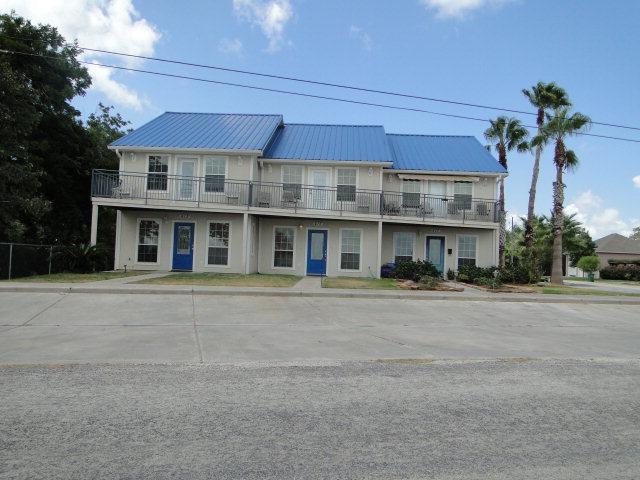 415 E. Bay Blvd., Palacios, TX 77465