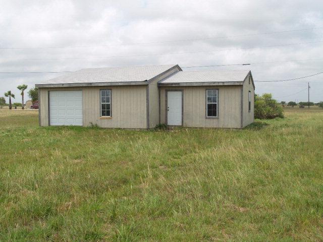 70 Sardine St, Palacios, TX 77465
