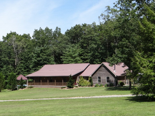 Featured Property in MONTEREY, TN, 38574