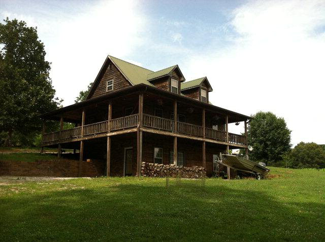 Featured Property in QUEBECK, TN, 38579