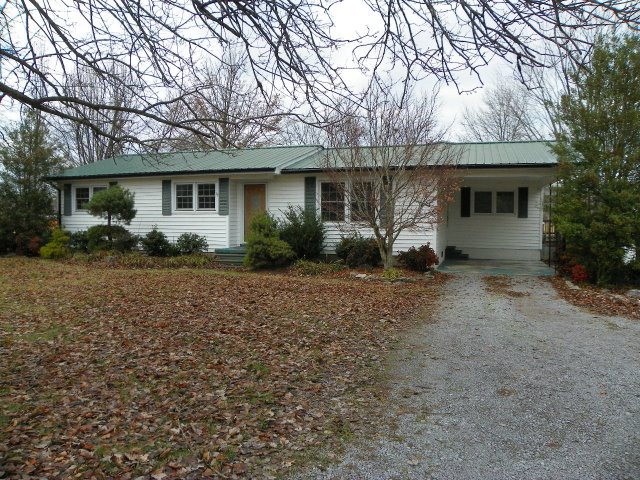 Featured Property in SMITHVILLE, TN, 37166