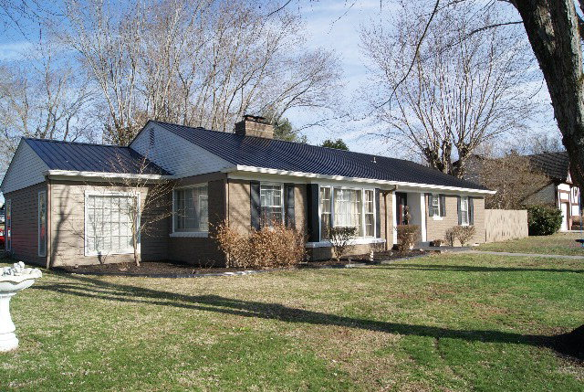 Featured Property in LIVINGSTON, TN, 38570