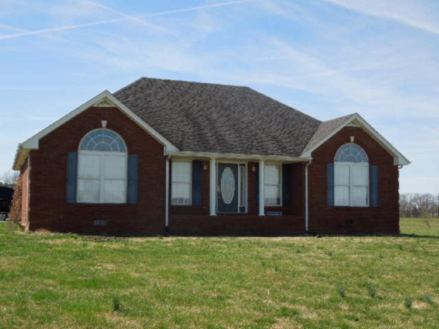 Featured Property in LAFAYETTE, TN, 37083