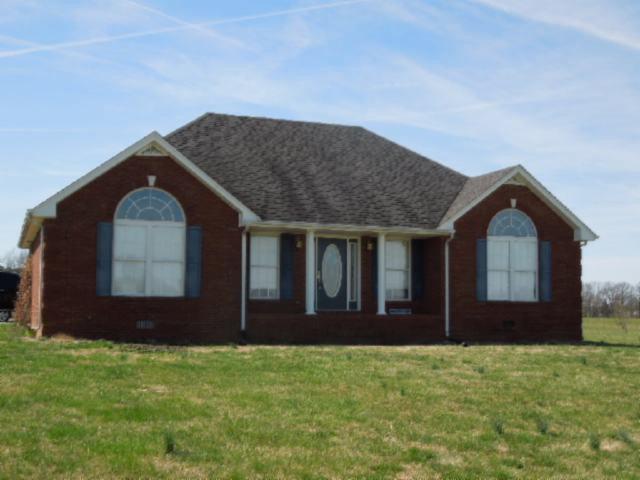 Featured Property in LAFAYETTE, TN, 37083