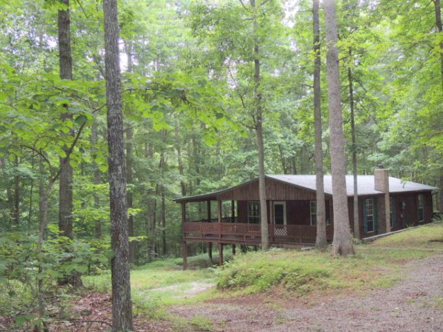 Featured Property in HILHAM, TN, 38568